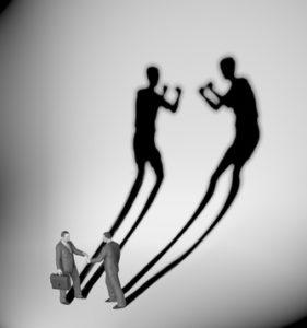 Conflit entre actionnaires : prenez un avocat en droit des affaires expérimenté pour engager une expertise de gestion