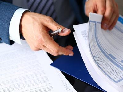 Sur les contrats en cours en cas de redressement judiciaire ou liquidation judiciaire